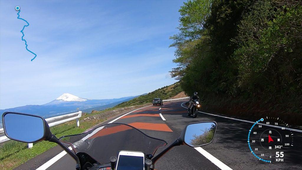 バイクから富士山を撮影した写真