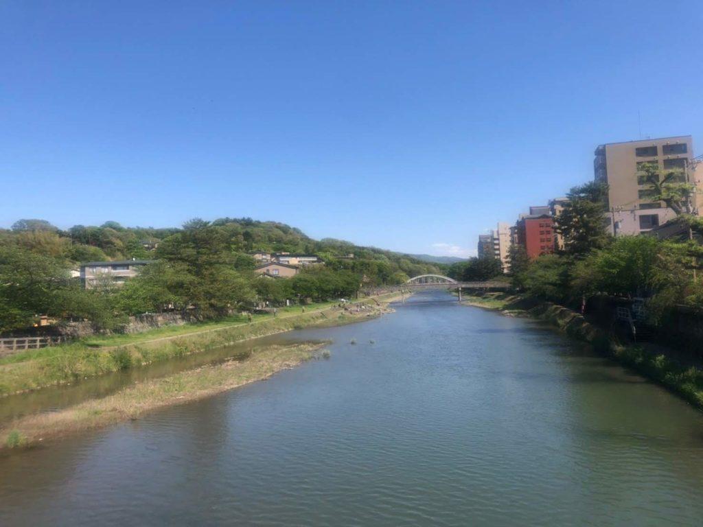 ひがし茶屋街入り口の橋から眺めた風景