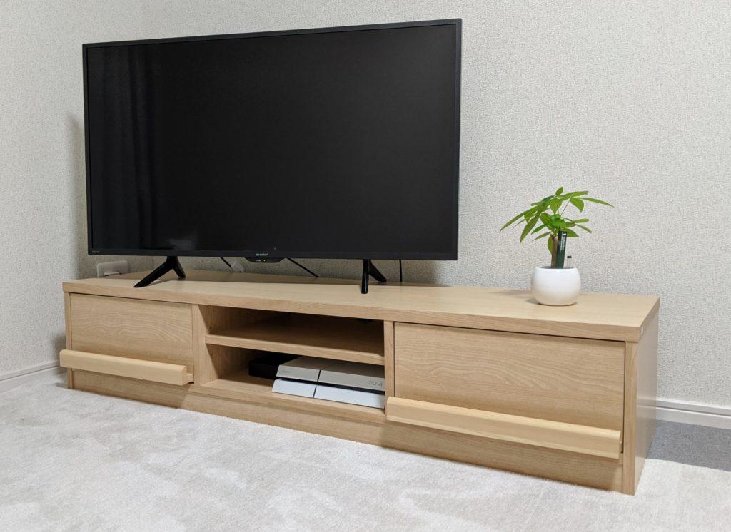 SHARP AQUOS 2T-C42BE1とテレビ台