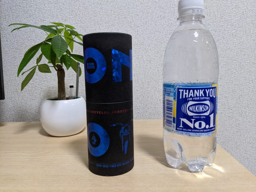 Monimotoケースとペットボトルのサイズ比較